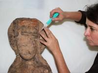Katharina, um 1400, Arbeitszustand: Rissverklebung mittels Injektion (mit Polyvinylibutyral)