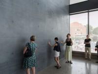 Im Anbau des Sprengel Museum, Foto: Helge Krückenberg