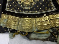 Detail der Jacke der Generalsuniform vor der Restaurierung  Foto: RPM