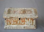 Rechteckiges Kästchen mit Pastiglia-Relief