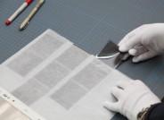 Konservatorische Umlagerung von Dias, alle Fotos: Stiftung für Fotografie und Medienkunst mit Archiv Michael Schmidt