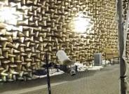 Aufnahme der akustischen Eigenschaften eines Kugelresonators im reflexionsarmen Raum der technischen Universität Dresden zur weitergehenden Veranschaulichung. Foto: Lars Engels