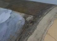 Detail Zustand nach partieller Firnisabnahme und Oberflächenreinigung (links) © Landesmuseum für Kunst und Kulturgeschichte Oldenburg / Fotos: Sven Adelaide