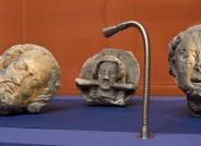 Köpfe von Skulpturen; © Diözesanmuseum Paderborn / Foto: Ansgar Hoffmann