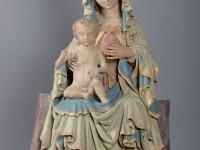 Thronende Madonna vom Hauptportal des Eichstätter Domes während der Restaurierungsarbeiten