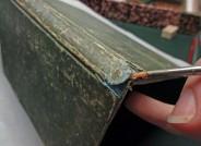 Skizzenbuch von Ludwig Metz, lose Schichten werden mit Kleister wieder verbunden, Foto: Städel Museum, Anna Motz